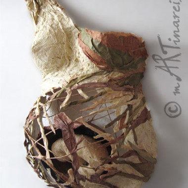 ´Ensconced´ - Belly papier sculpture