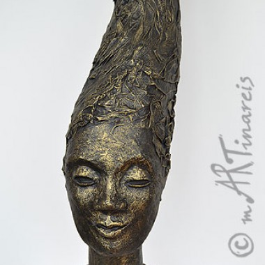 ´Black queen´- papier mache sculpture