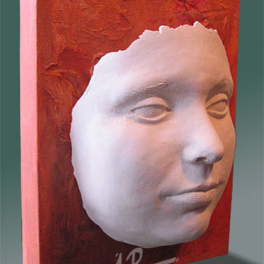 -Annea - face cast of a girl